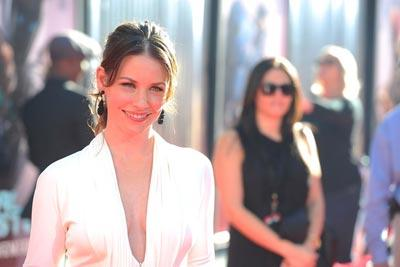 Evangeline_Lilly_Premiere_DreamWorks_Pictures_HCgSvd3o4Wll.jpg