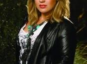 Kelly Clarkson proposera Stronger second single.