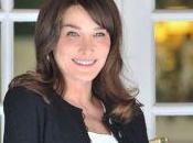 Carla Bruni toujours accouché... mais répond Benoit Duquesne (France