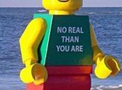 Leonard, Lego géant prison