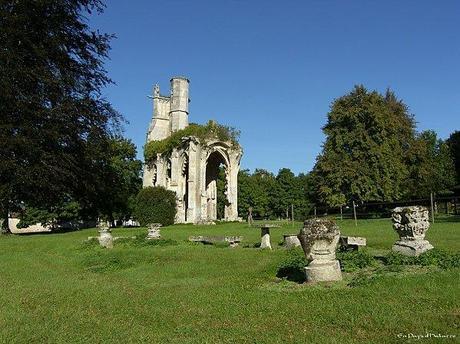 Abbaye de la Victoire ruines