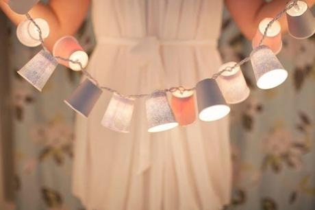 Une guirlande lumineuse avec des gobelets? Oui, je le veux!