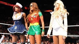 Eve devient le premier challenger au titre de Championne des Divas détenu par Beth Phoenix