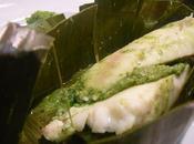Poisson cuit vapeur feuilles bananiers