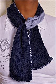 Double knitted scarf / Echarpe bicolore réversible