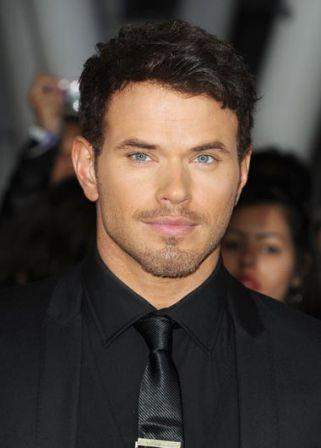 Kellan_Lutz_Premiere_Summit_Entertainment_x1FdjsX0kqTl.jpg