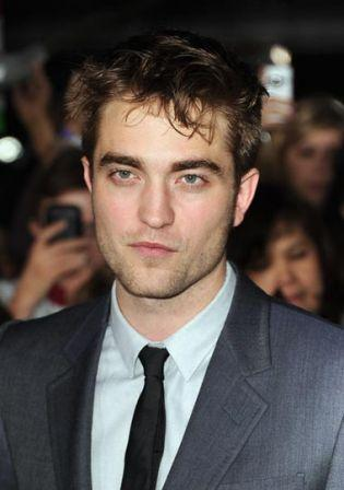 Robert_Pattinson_Premiere_Summit_Entertainment_c4uqRZqHmGWl.jpg