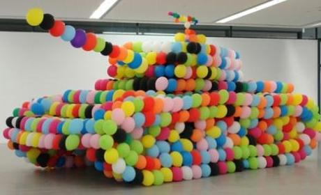[PHOTO] - Un Panzer de ballons gonflables