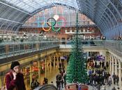 Londres arbre noël, tout LEGO, pleine gare Pancras!