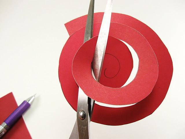 Tuto diy faire des fleurs en papier ou en carton d couvrir - Tuto fleur en papier ...