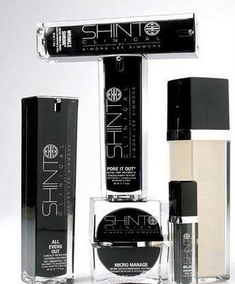 Kimora Lee Simmons (Hounsou) lance Shinto Clinical Skinscare prod.