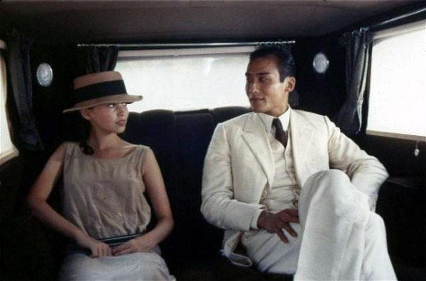 Jane March et Tony Leung Ka Fai dans L'Amant