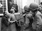 photo G.I.'s avec habitants d'Avranches 1944 informations wanted!