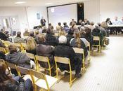 Réunion quartier stade questions réponses entres habitants membres municipalité maire tête... (1er partie).