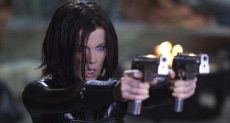 Kate Beckinsale censurée à Marseille pour port d'armes …
