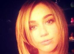 Miley Cyrus change de coupe de cheveux - Photo