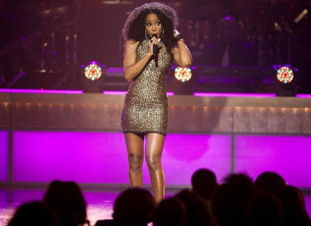 NOUVELLE PERFORMANCE : KELLY ROWLAND – FANTASY (HOMMAGE À MARIAH CAREY @ 2012 BET HONOURS)