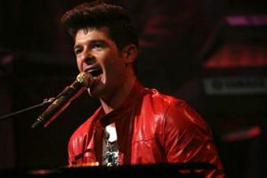 [Live] Robin Thicke defend  » Pretty Lil' Heart » chez Jimmy Kimmel.