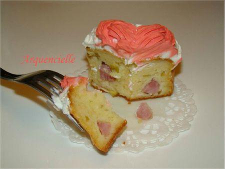 Cake salé jambon olive et décor poche à douille coupé