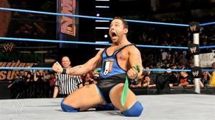 Suite à la blessure de Randy Orton, Santino Marella remporte un Battle Royal qui le qualifie pour Elimination Chamber 2012