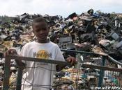 Déchets électroniques l'Afrique étouffe