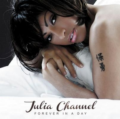 Julia Channel, 1er single