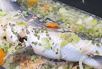 Saumon Entier Aux Petits Legumes A Lire
