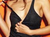 Freida Pinto sexy pour Esquire