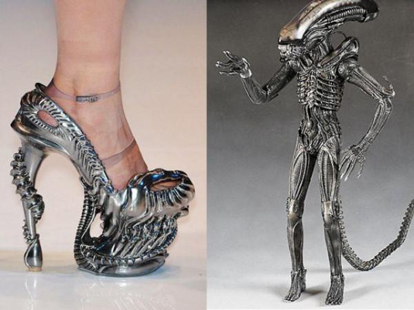8604293d635d alien high heels 600x449 Des talons aiguille Alien
