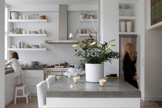 Visite Déco } Une maison moderne et organisée…   À Découvrir