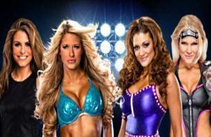 Kelly Kelly et Maria Menounos affrontent Beth Phoenix et Eve