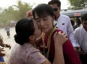 Aung fera entrée Parlement birman avril