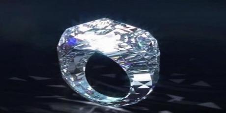 Une bague taillée dans un diamant à 70 millions.