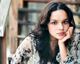 Norah Jones - She's 22 / After the fall (Dave Sitek remix)