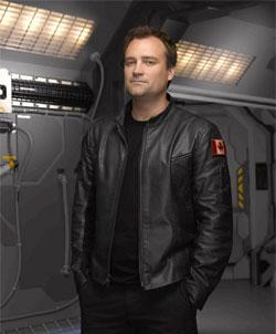 David Hewlett dans Haunter