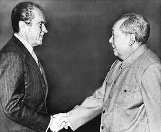 ❛Opéra & Vidéo❜ John Adams (né en 1947) revient au Théâtre du Châtelet • Nixon in China... ou les tribulations d'un Américain en Chine !
