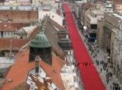 Carte postale d'une ligne rouge (Sarajevo)