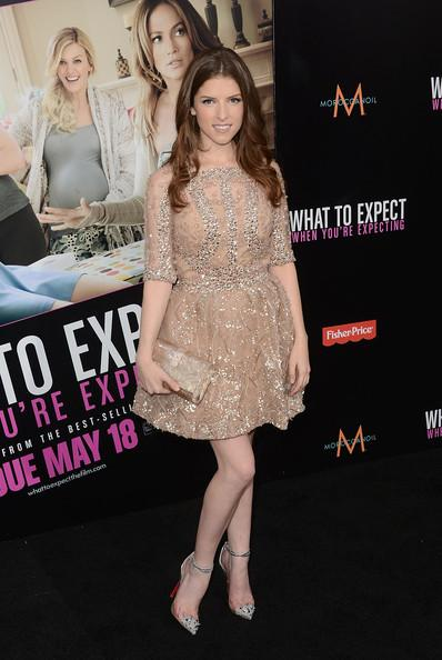 "A.P de ""What to Expect When You're Expecting"" Premiere avec Anna Kendrick"