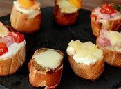 Festival bruschettas (n°2) (chèvre-miel-poires caramelisées, pesto rouge-saumon fumé-mozzarella,...)
