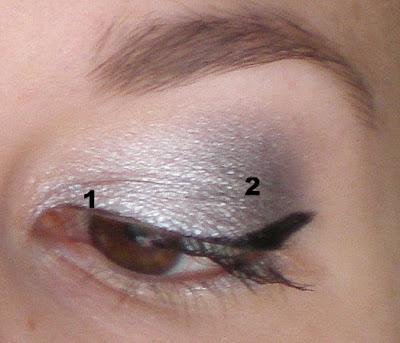 Maquillage métallisé Avec Les Stay All Day d'Essence