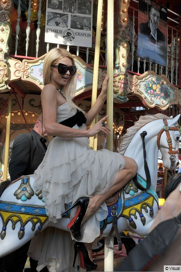 Paris Hilton retombe en enfance cannes 2012 shooting