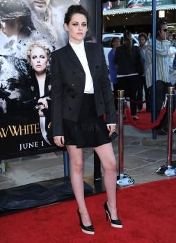 Kristen Stewart :Promotion de Snow White à Los Angeles.(Sreening)