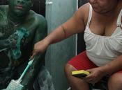 Après s'être déguisé Hulk, retrouve plus forme humaine