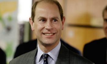 Prince-Edward-visits-Duke-001