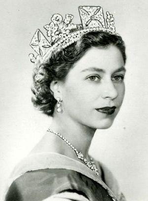 Queen_Elizabeth_II_Photographic_Portrait_by_Dorothy_Wilding