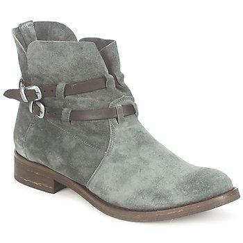 [Shoes Addict]  Love' boots