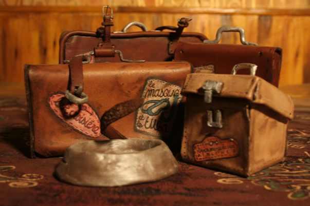 http://media.paperblog.fr/i/561/5618669/truc-express-odeur-renferme-valise-L-nY0u8Q.jpeg