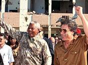 L'Afrique malade enfants: Mouammar Kadhafi.
