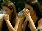 Fear Factor candidats boivent l'urine sperme d'âne
