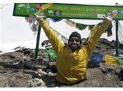 Entrez titre deUn Torontois amputé deux jambes gravit Kilimandjaro billet
